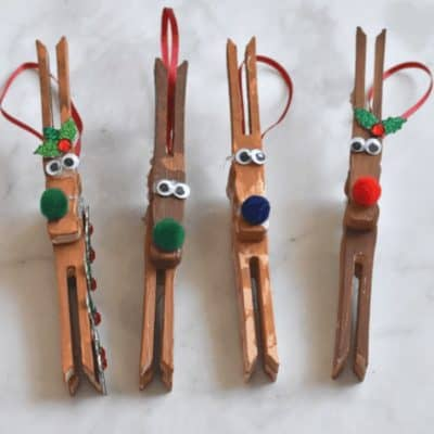 this reindeer ornament kids craft is so easy and fun for kids to make during the holidays! love clothespin crafts! #DIYChristmas #preschoolcraft