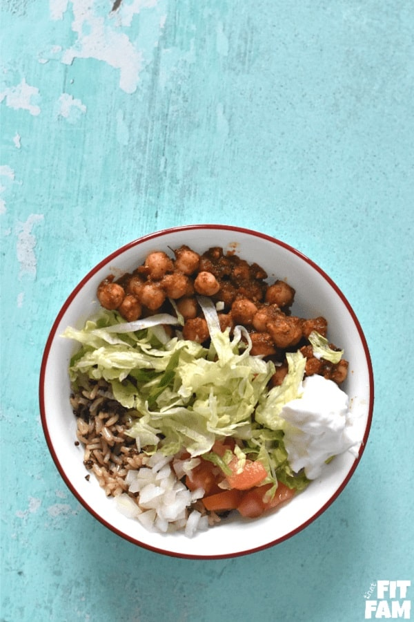 quick & easy Chickpea taco bowl recipe, this is vegetarian and delicious! we're not vegetarian, but we love it! super diet friendly, perfect for IIFYM / counting macros. great healthy lunch option if you're craving Mexican food